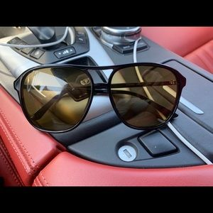 Gucci sun glasses